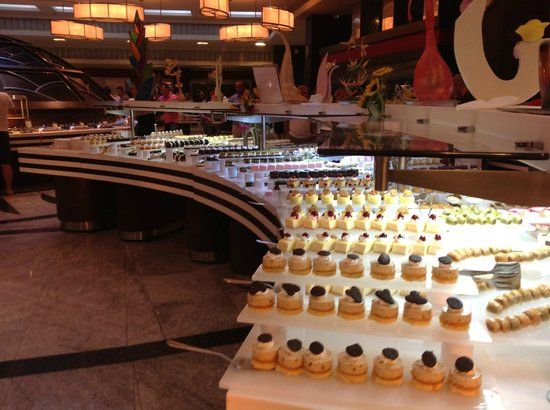 Cornelia Diamond Golf Resort & Spa: More Cakes!!!!
