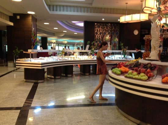 Cornelia Diamond Golf Resort & Spa: The buffet restaurant