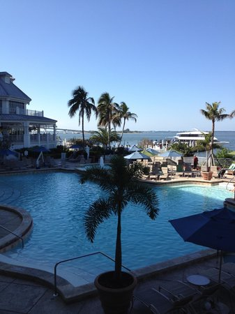 Sanibel Harbour Marriott Resort & Spa : Pool deck while having breakfast