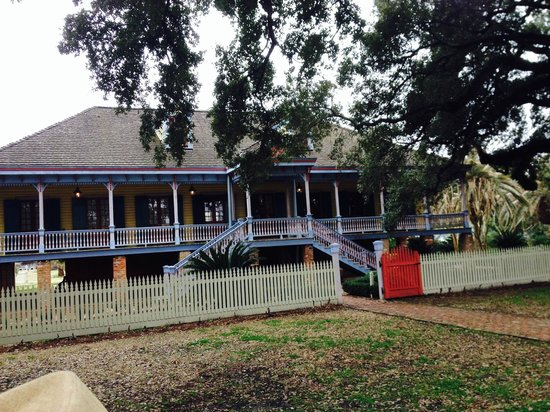 Laura Plantation: Louisiana's Creole Heritage Site: Front of Laura Plantation