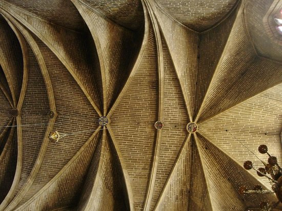 Iglesia de San Saturnino: interior