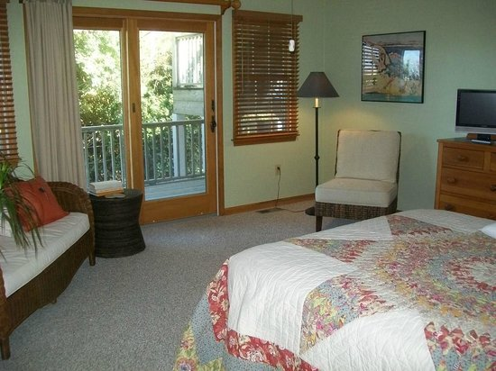 Advice 5 Cents, a bed & breakfast: Daybreak Room