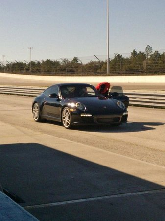 Richard Petty Driving Experience: 911 Waiting at the Pit