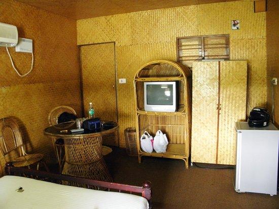 Country Club Rock Springs: Room - very basic