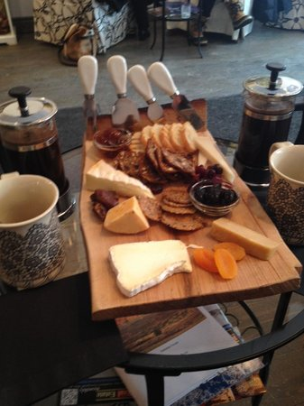 The Cheese Gallery: Cheese plate for two + two individual French press coffees. So decadent!