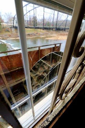 War Eagle Mill : Paddle Mill Wheel