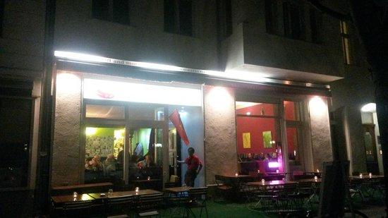 """Facciata e ingresso del """"Saigon and more"""" di Berlino"""