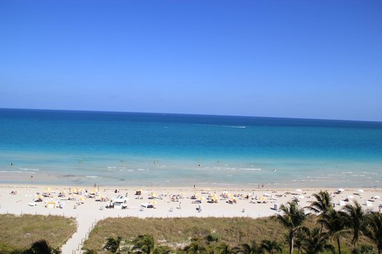 Grand Beach Hotel: Bela praia