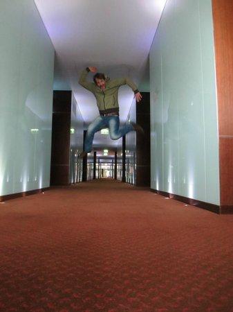Sheraton Porto Hotel & Spa: Happy jump in Sheraton floor!!!