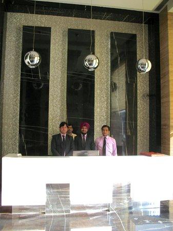 Hotel City Star: Le personnel à l'entrée, une super équipe !