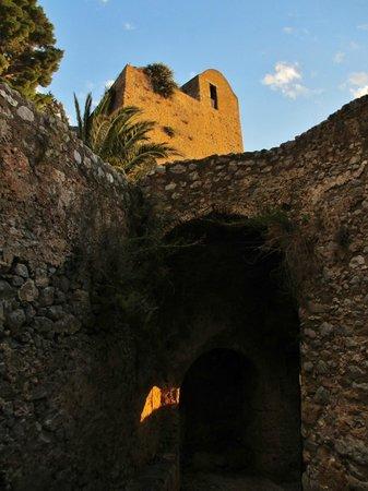 La Rocca : Ruins