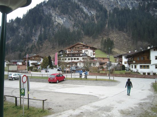 Alpin-Hotel Schrofenblick: Hotel with parking place