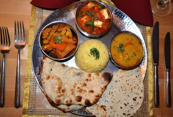 Bollywood Bytes Restaurant: The lunch time thaali - absolutely delicious