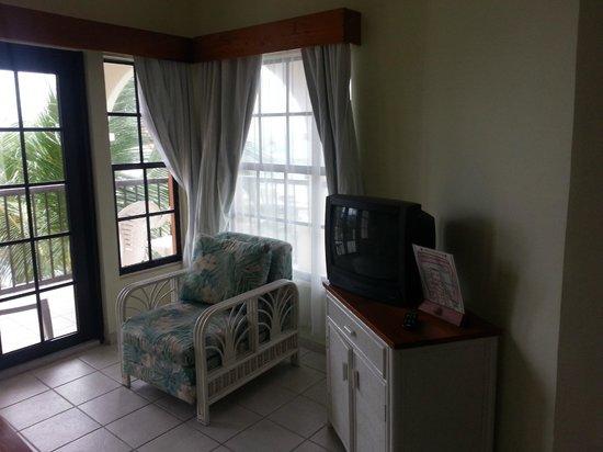 SunBreeze Suites: living room
