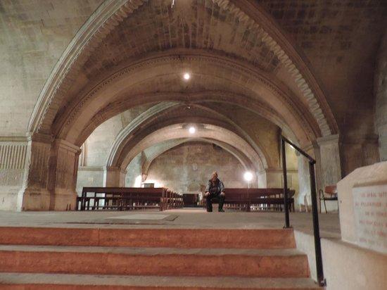Abbatiale de Saint Gilles : La crypte, une véritable église sous terraine