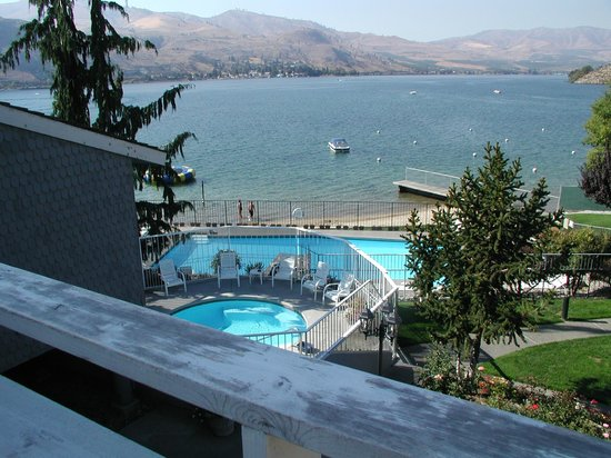 Darnell's Lake Resort: Hot tub and pool