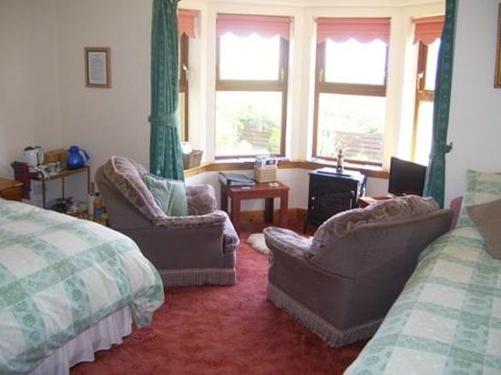 Mull of Galloway Holidays : East Muntloch Croft B & B  front ensuite bedroom/sittingroom