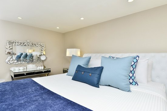 The Hills Hotel, an Ascend Collection by Choice Hotels : Sapphire Suite