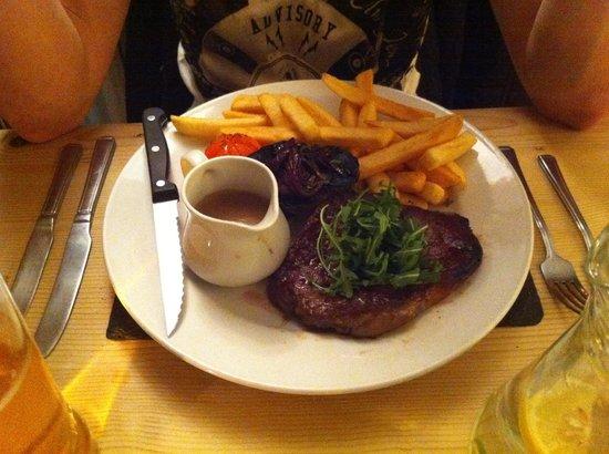 The Ship Inn & Hotel: Steak & Chips