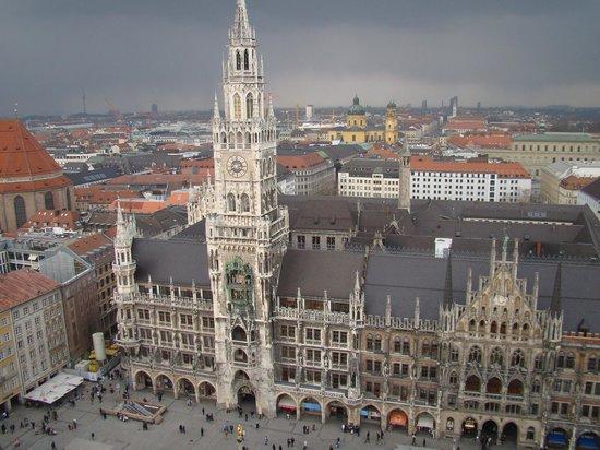 Neues Rathaus: Il Rathaus dalla torre della Peterskirche