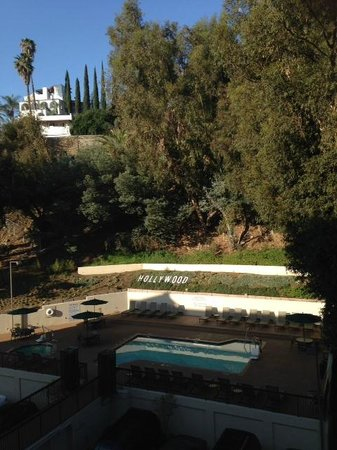 Hilton Garden Inn Los Angeles/Hollywood: Someone has a sense of humor .... ironic imitation of the iconic Hollywood sign seen from our ro