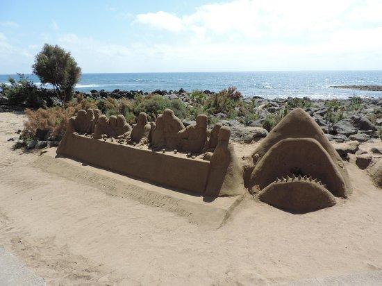 Faro de Maspalomas: Sand Sculptures outside the Lighthouse