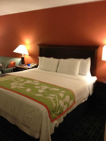 Fairfield Inn Philadelphia Valley Forge/King of Prussia: Bed
