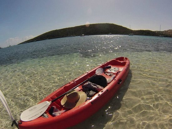 Villa Pelicano: Kayak to a nice sandbank