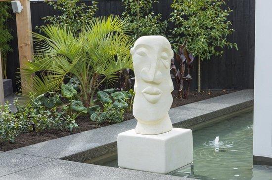 The Establishment Boutique Accommodation: Sculpture
