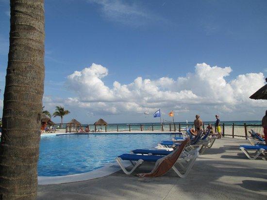 Allegro Playacar: piscina vista mare