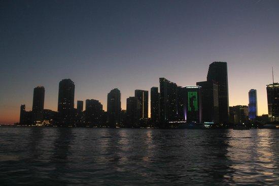 Thriller Miami Speedboat Adventures : after the sun went down