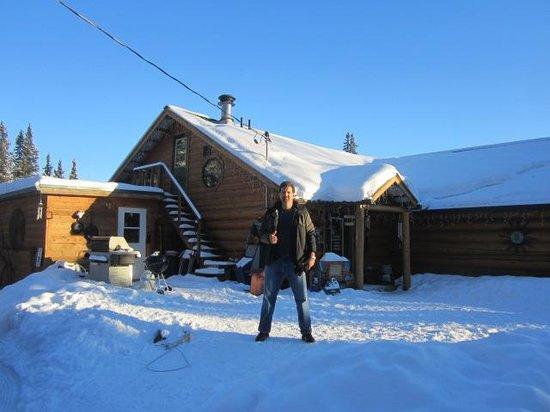 A Taste of Alaska Lodge: Front of the lodge