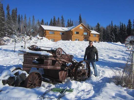 A Taste of Alaska Lodge: Back of the lodge