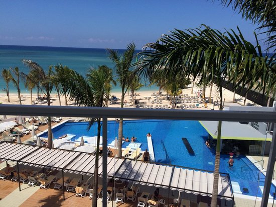 Hotel Riu Palace Jamaica : View from ocean front suite