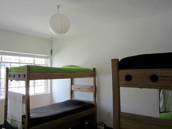 Kozii hostel D.C: Dormitorio 4