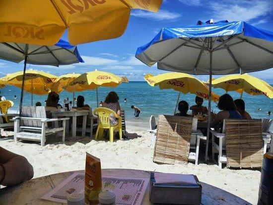 Sunshine Praia Hotel : Playa frente el hotel