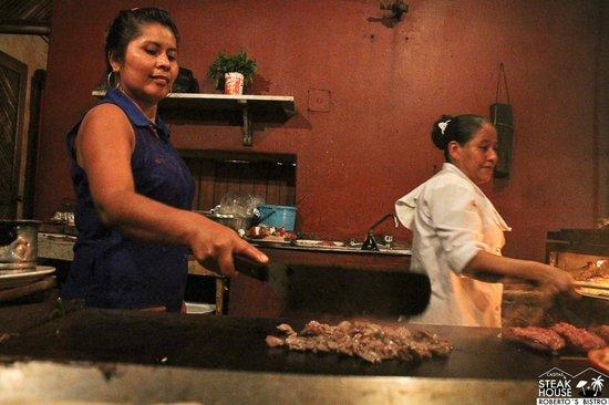 Hotel Roberto's Bistro: cocina