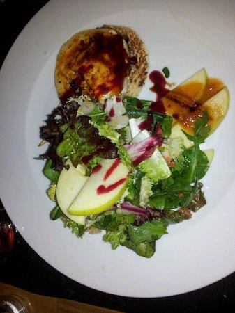 La Sal Restaurant: Ensalad de queso de cabra