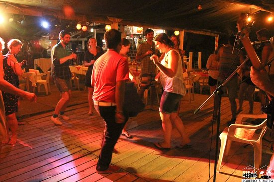 Hotel Roberto's Bistro : salsa night
