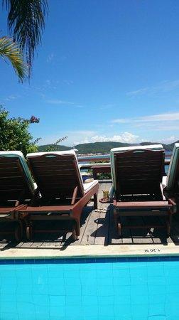Vila D'este: Piscina e Vista da Orla Bardot