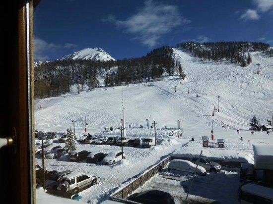 Hotel Alpis Cottia: les pistes vues de la chambre