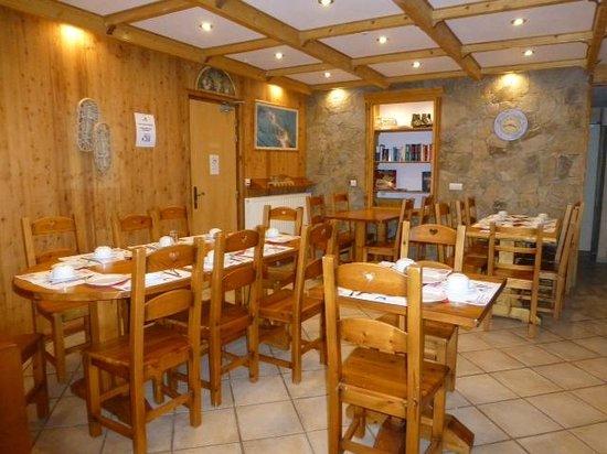 Hotel Alpis Cottia: la salle du petit dej
