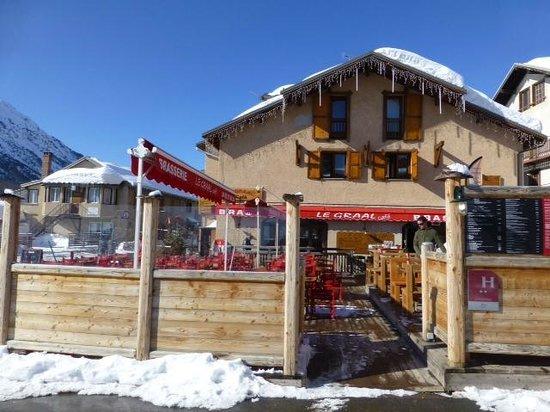 Hotel Alpis Cottia: L'hotel et la terrasse
