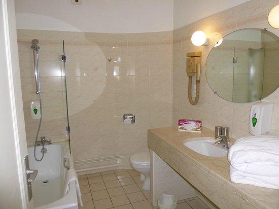 Hôtel de France : Cuarto de baño