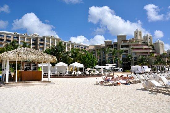 The Ritz-Carlton, Grand Cayman : hotel view