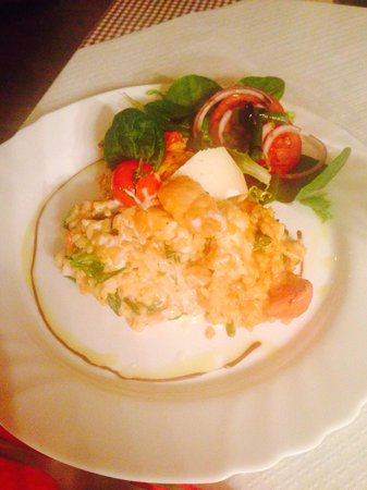 Mingo Bar Restaurante : Risotto mit Hähnchen, Cherrytomaten und frischem Blattspinat