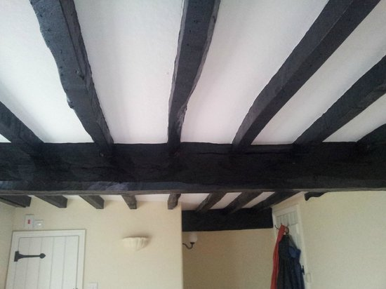 Rose Cottage: Got to love these beams!