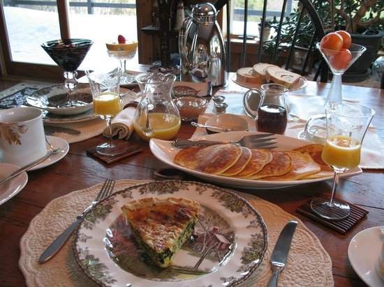 The George Ellen Bed and Breakfast: Breakfast with a view