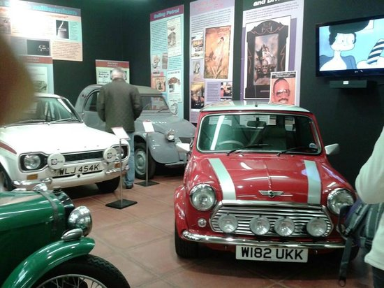 Haynes International Motor Museum: Cars at the start