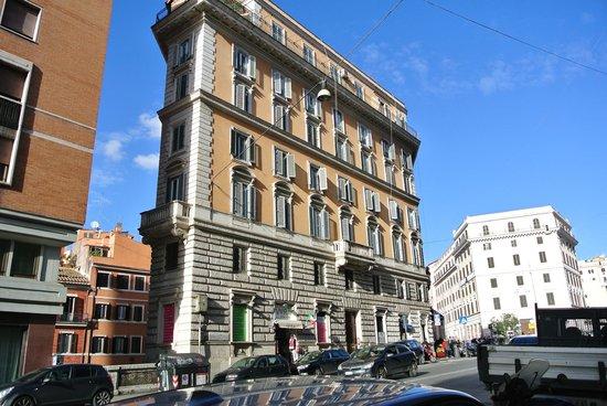 Hotel Cavour Forum Suites in de Via Cavour